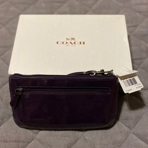 Coach wristlet patent leather